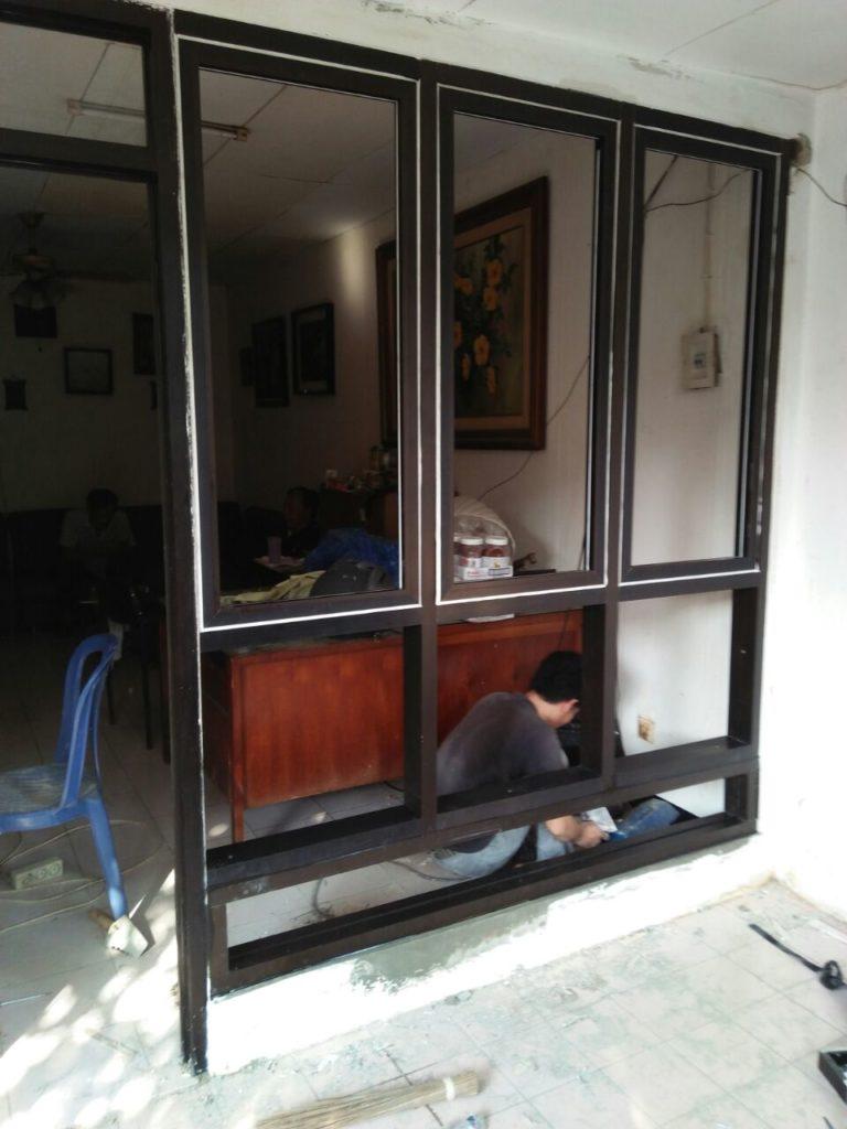 toko-tukang-aluminium-kaca-bikin-gerobak-murah-jogja-yogyakarta-solo-magelang (1)